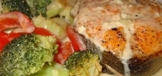 Приготовление форели с овощами в сливочном соусе